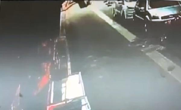 Ne olduysa saniyeler içinde oldu, 9 katlı binanın çatısından düşen kadın kurtarılamadı