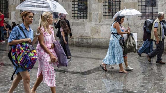 Şemsiyeleri hazırlayın! Türkiye sağanak yağışa teslim olacak