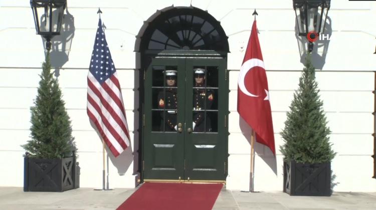 <p>Cumhurbaşkanı Recep Tayyip Erdoğan, temaslarda bulunmak üzere dün ABD'nin başkenti Washington'a gelmişti.</p>