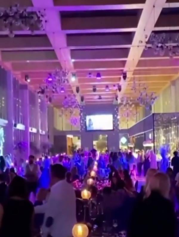 Son dakika haberleri: Antalya'da, 5 yıldızlı otelde koronavirüse rağmen gala gecesi