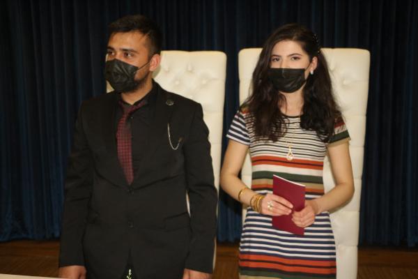 Son Dakika   Yangında çeyizi yanan genç kız, nikahına gelinliksiz katıldı