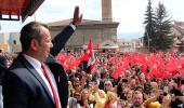 CHP'de mülteci çatlağı! Mehmet Bekaroğlu, partinin ilkelerini hatırlatarak, Tanju Özcan'a yüklendi