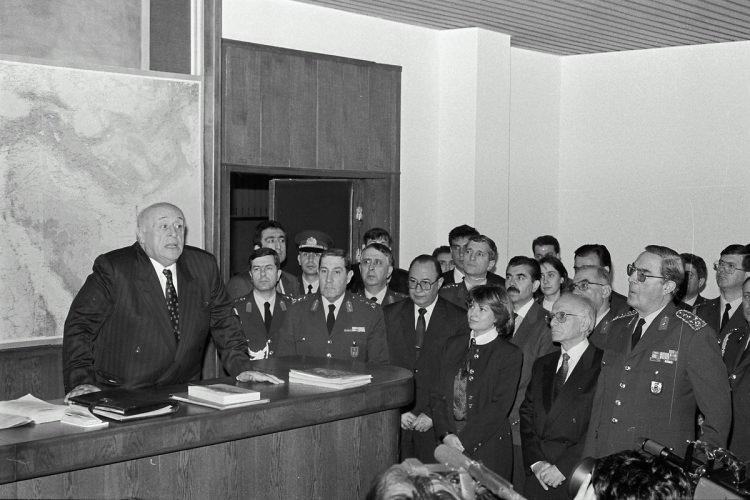 <p>Demirel Ve Çiller Kara Harp Okulunda</p>  <p>20 Ocak 1994</p>