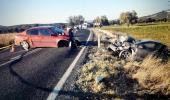 Direksiyon hakimiyetini kaybeden sürücü, karşıdan gelen otomobille çarpıştı: 1 ölü, 6 yaralı